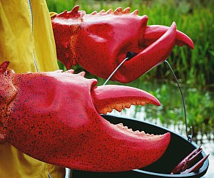 obster-claw-gloves